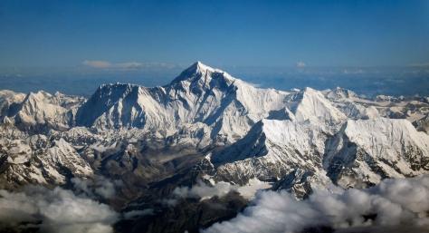 Mount_Everest_as_seen_from_Drukair2_PLW_edit.jpg