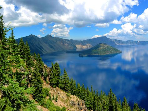 crater-lake-national-park-oregon-most-beautiful-natural-landscape-in-america-tours-mania.jpg