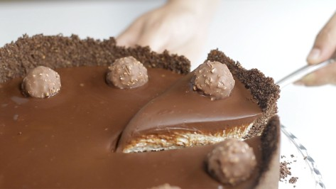 ferrero-rocher-cheesecake_landscapeThumbnail_en-US.jpeg